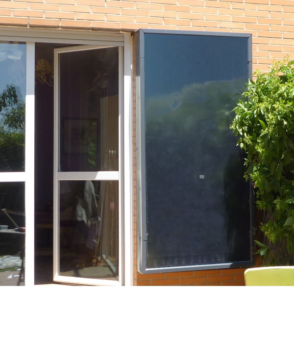 Así queda Inercol instalado en una fachada