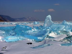 Paisaje del Lago Baikal en invierno