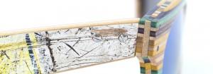 Detalle de la patilla de unas gafas de sol de Sk8Shades