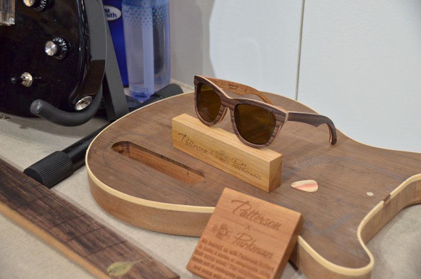 Gafas de sol Patterson and Parkman hechas de madera sobrante de guitarras