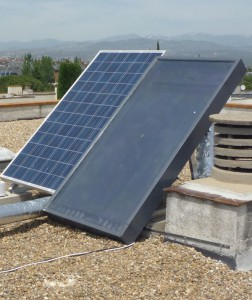 Así queda la calefacción solar Inercol instalada en una azotea