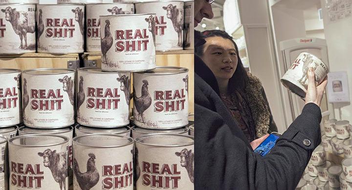 Real shit. El packaging de la mierda enlatada y clientes observándolo en Eataly.